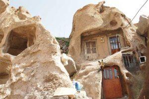 خانه های صخره ای کندوان